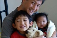 Benson Choy (1986) with sons Jason and David.