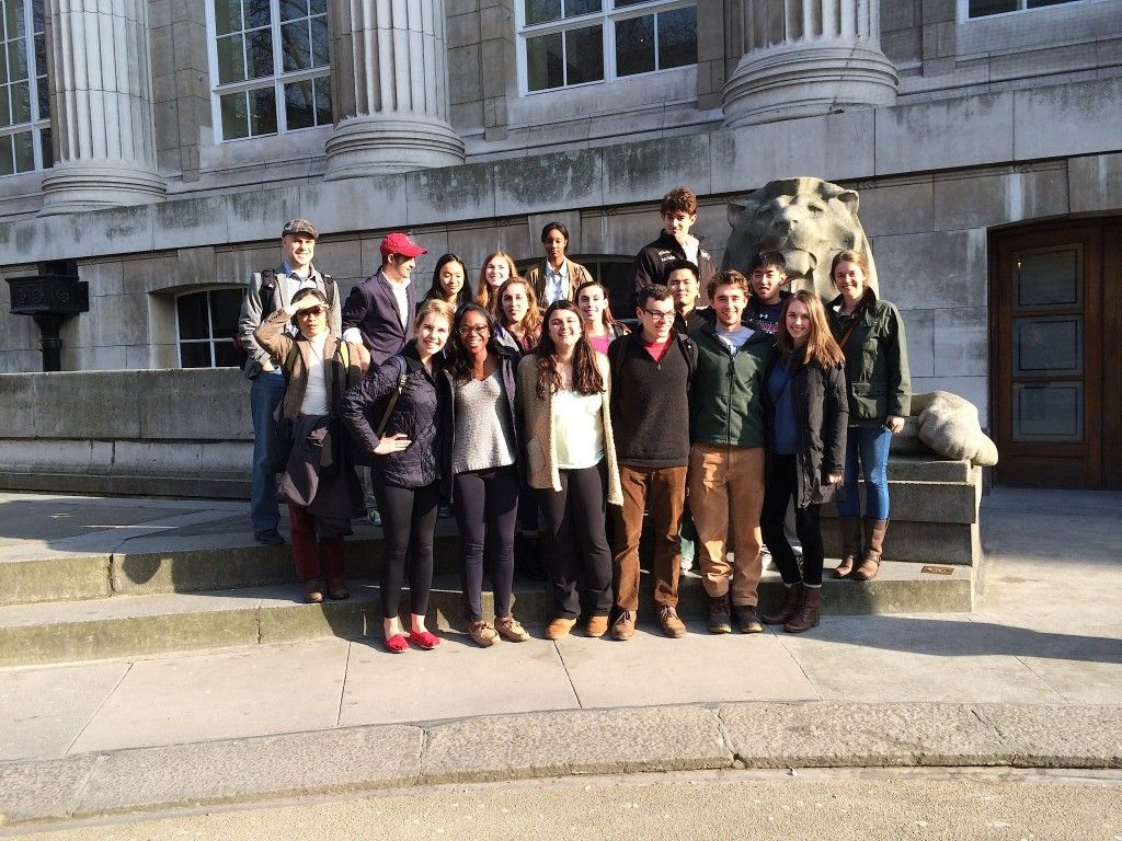After an overnight flight, the Oxford group spent the day in London, visiting Trafalgar Square and the University of London, taking the Tube, and enjoying a surprisingly sunny London!