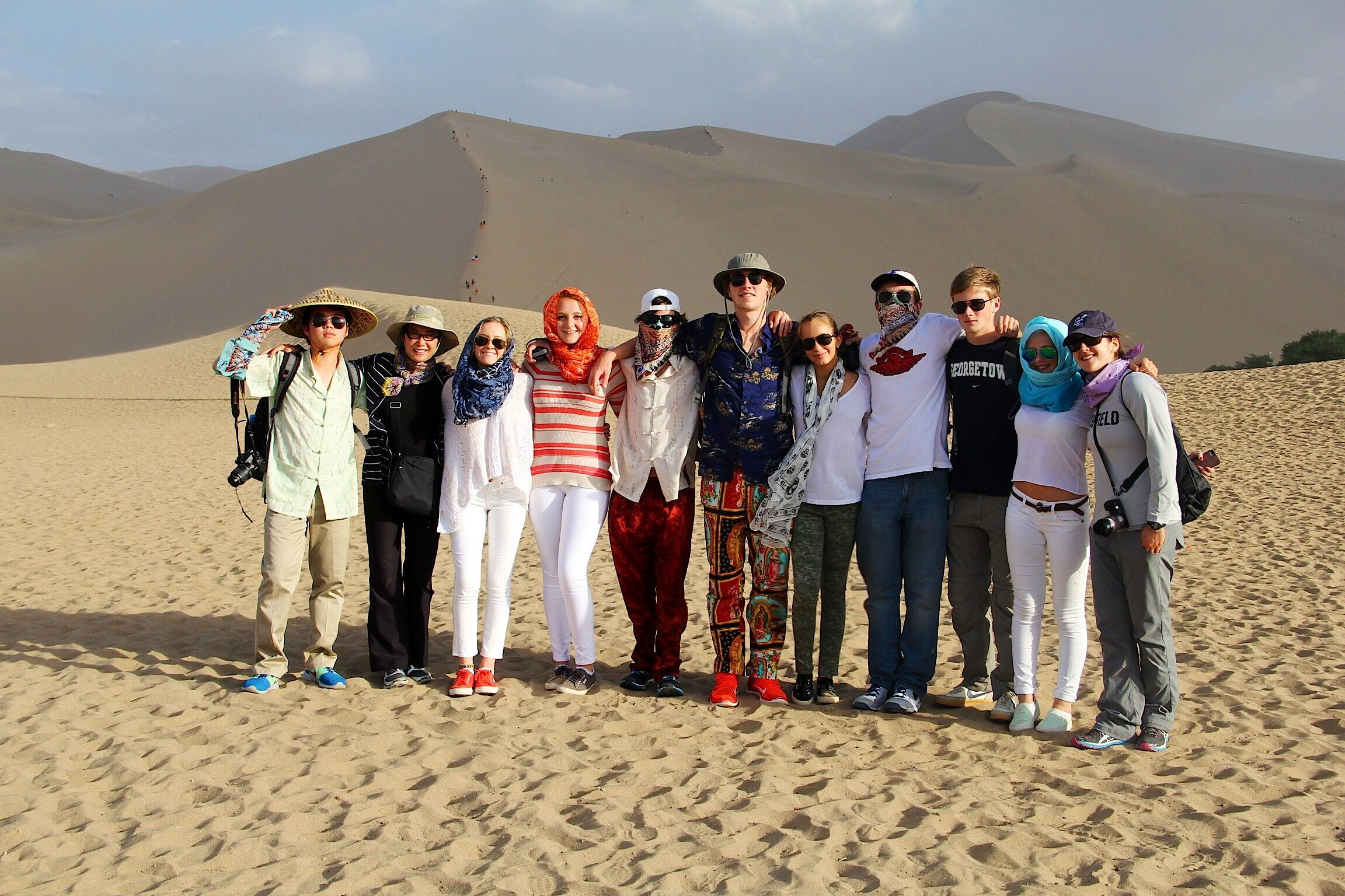 China group in Gobi Desert Spagna